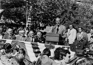 McGovern at a labor rally, 1972