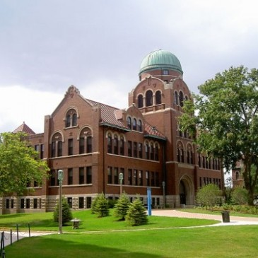 Cudahy Science Hall, Loyola University of Chicago