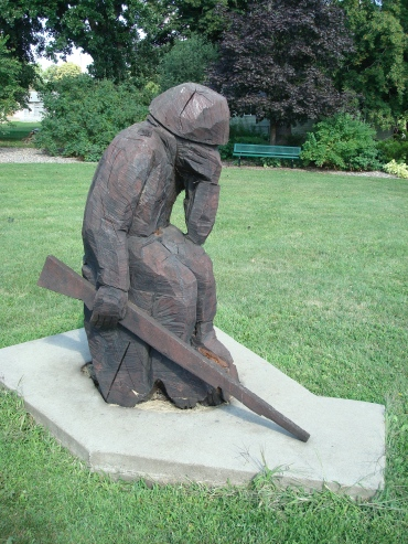 Grieving soldier statue at Wabasha (MN) Veteran's Memorial