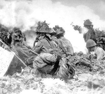 Japanese soldiers using chemical weapons against Changsha, 1941