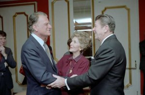 Billy Graham with Ronald and Nancy Reagan, 1981