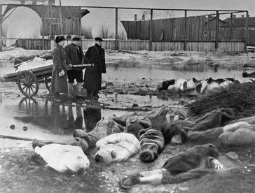 Victims of the siege of Leningrad, 1942