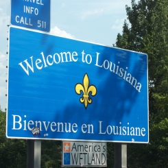 Bilingual road sign in Louisiana - Creative Commons (DM)