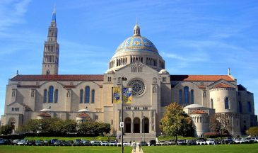 Basilica of the National Shrine of the Immaculate Conception at the Catholic University of America, where Pope Francis will hold an outdoor mass today - Creative Commons (AgnosticPreachersKid)