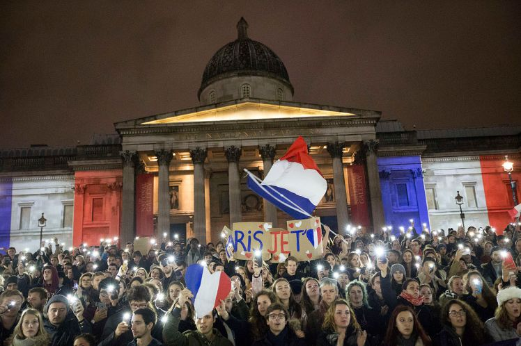 London's National Gallery as the setting of a rally in support of Paris