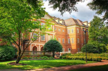 Robertson Hall at Regent University