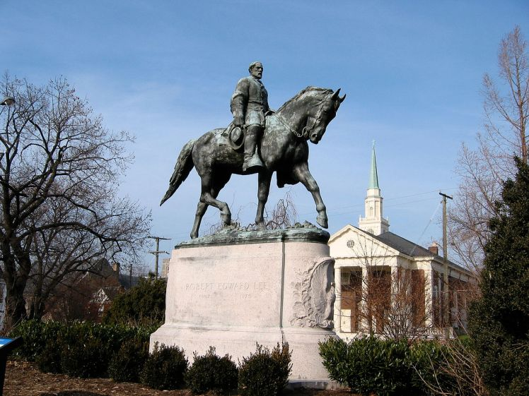 Robert E. Lee statue in Charlottesville, Virginia
